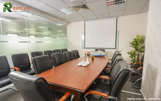 tổ chức cuộc họp trong phòng họp