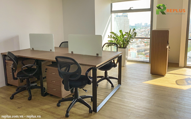 Cho thuê văn phòng có sẵn bàn ghế