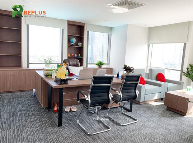 Phòng làm việc được thiết kế sang trọng