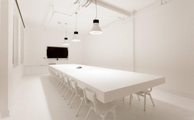 văn phòng màu trắng